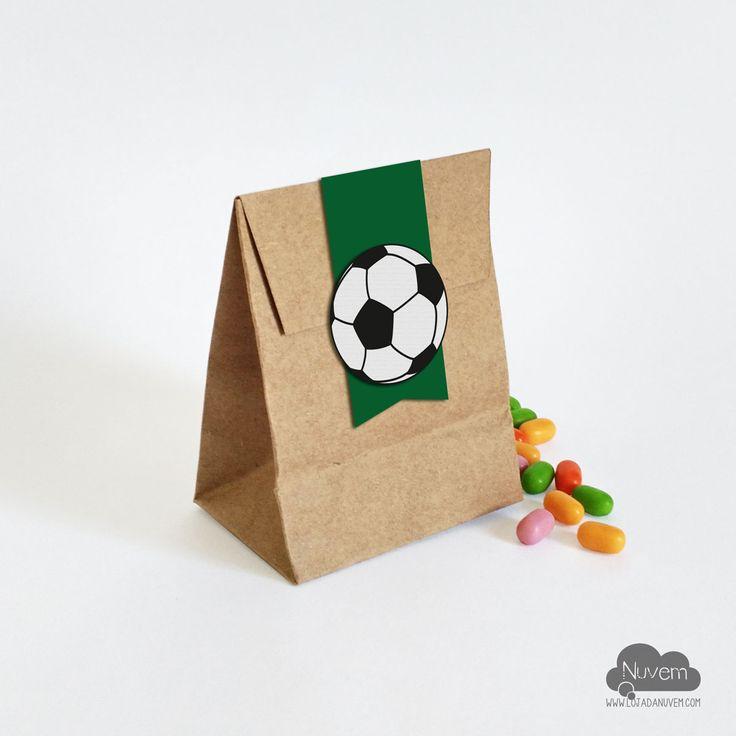 Saco Kraft mini  para doces - Futebol #lembrancinha #caixainhaparadoce #futebol #festafutebol #festainfantil                                                                                                                                                     Mais