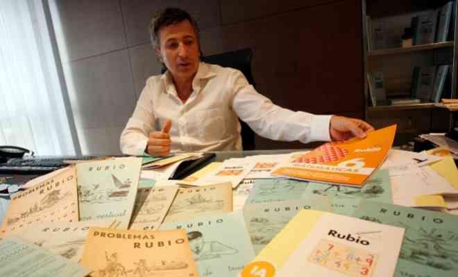 Rubio lanza cuadernos de caligrafía para personas con Parkinson | Comunidad Valenciana | EL MUNDO