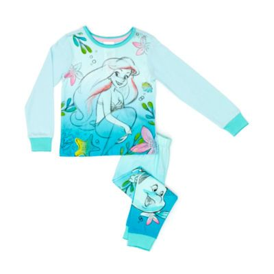 They'll dream of adventures under the sea in these fun The Little Mermaid pyjamas! The set includes sketched artwork of Ariel, Flounder and Sebastian with a fun colour gradient throughout.