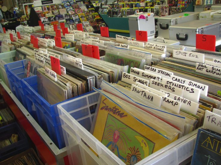 Inside this interesting record store called My Generation music also located in Browns Bay. So many old bands and music sold here, made me feel nostalgic. New Zealand