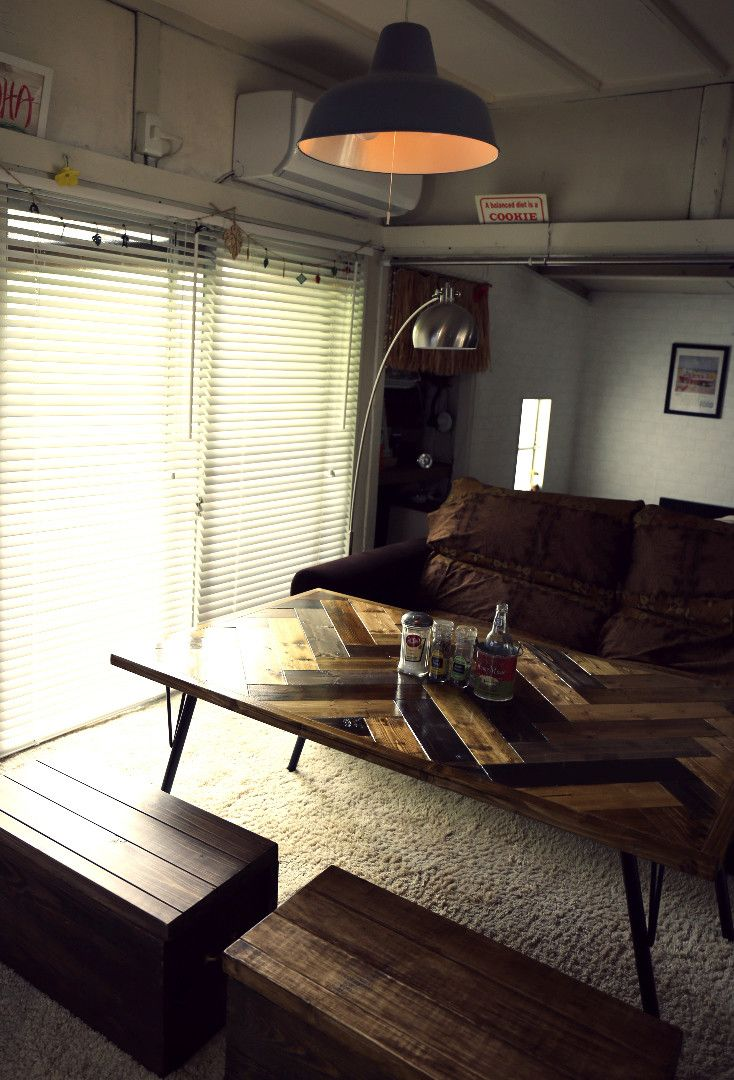 ヘリンボーンテーブルを安い1×4材で作る。〜DIYおじさんの家具作り本気編〜|LIMIA (リミア)
