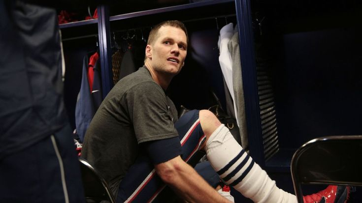 Tom Brady's stolen Super Bowl jerseys found in possession of international media member