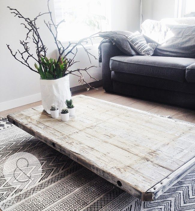 &SUUS | Nieuw in de shop: Stoere salontafel | ensuus.blogspot.nl | for sale industrial wooden coffee table