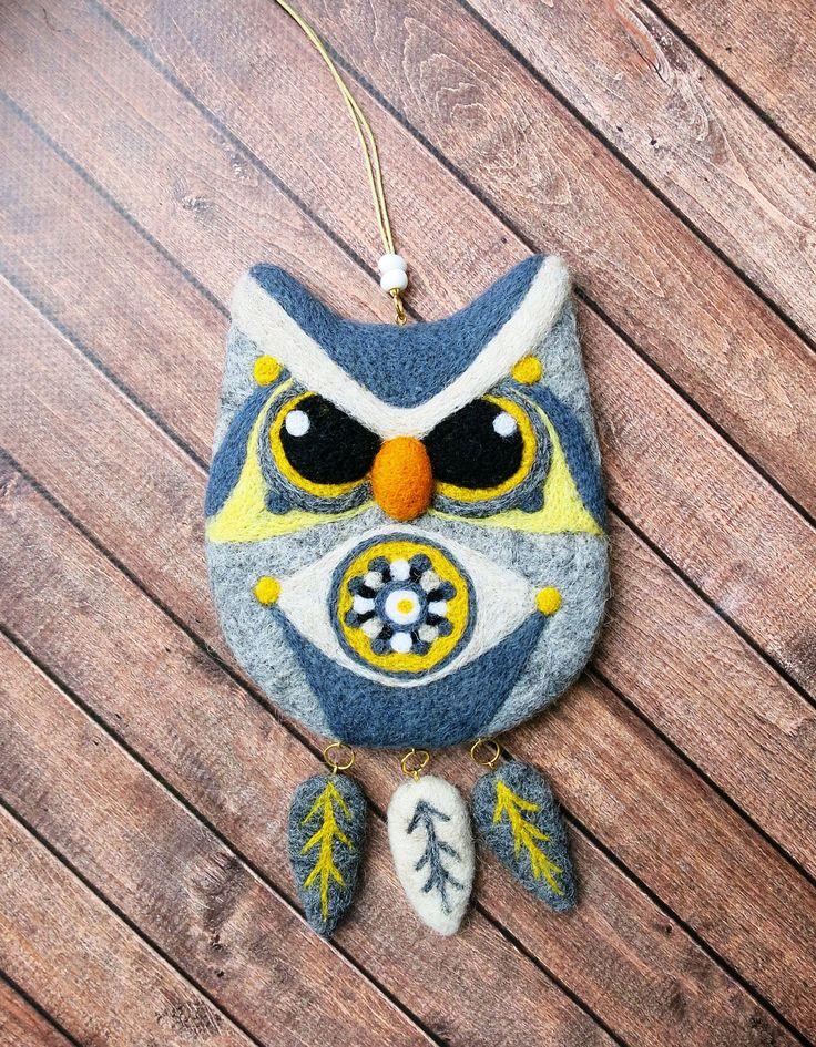 Cute felt owl. Decorative felted toy. Home decor
