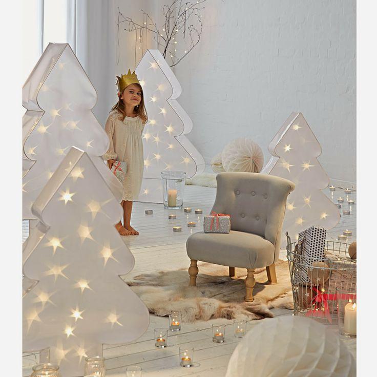17 ideas about white christmas lights on pinterest pale. Black Bedroom Furniture Sets. Home Design Ideas