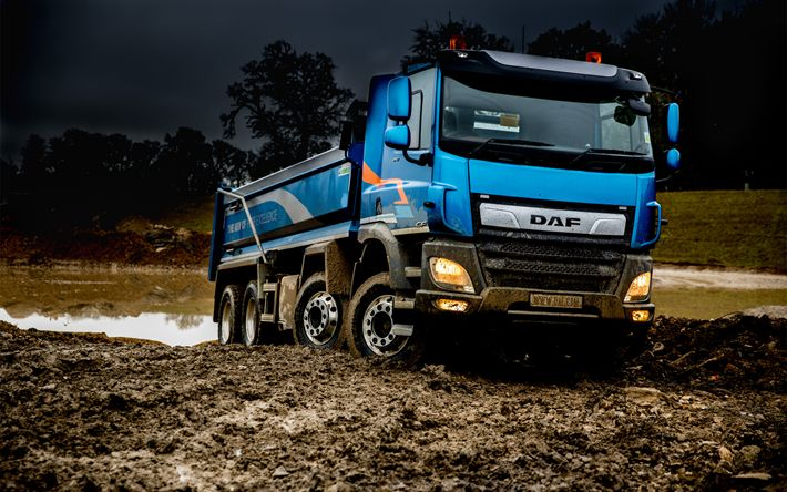 Download wallpapers 4k, DAF CF, offroad, 2018 truck, tipper, Euro 6, new CF, 8x4, cargo transport, trucks, DAF