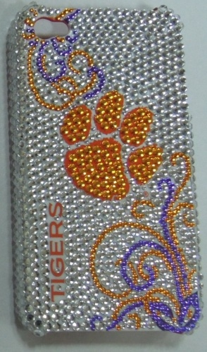 I've never desired a bedazzled phone case, but I could make an exception for this one!