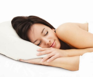 March Cherry Picked For You - Silentnight memory foam pillow