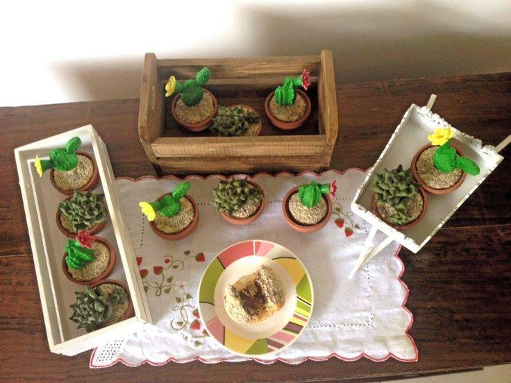 Cupcakes em forma de cactos e suculentas                              …
