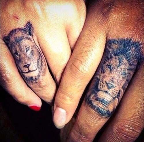 couple finger lion tattoo sevgili çift aslan dövmesi parmak