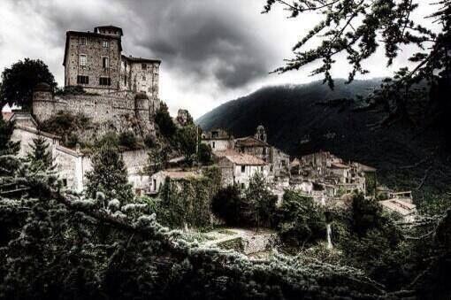 Cidade fantasma em Savona, Itália.