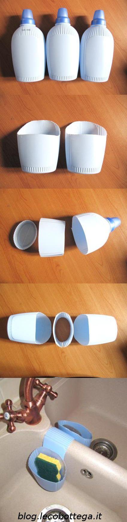 Oggi vi proponiamo questa semplice ma utile idea per poter riciclare dei flaconi di plastica. Possiamo riciclare dei flaconi di shampoo, bagnoschiuma, ammorbidente, insomma quelli che volete e che avete in casa !