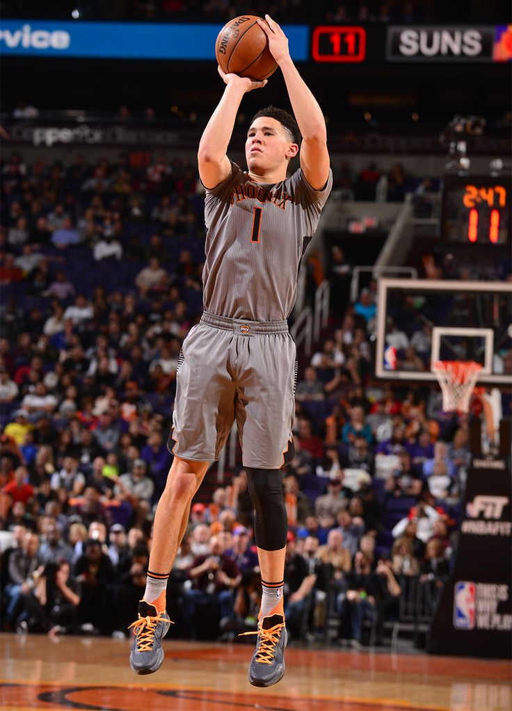 Devin Booker made 24 points on 1/21/16 in the loss to the Spurs.