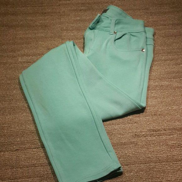 Sexy Jeggins Beautiful sky blue jeggins what pocket size small 67% rayon 28% nylon 5% spandex Soho girls Pants Skinny