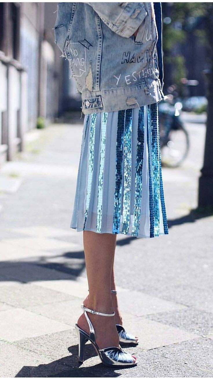 Find More at => http://feedproxy.google.com/~r/amazingoutfits/~3/90Q1thZoJws/AmazingOutfits.page