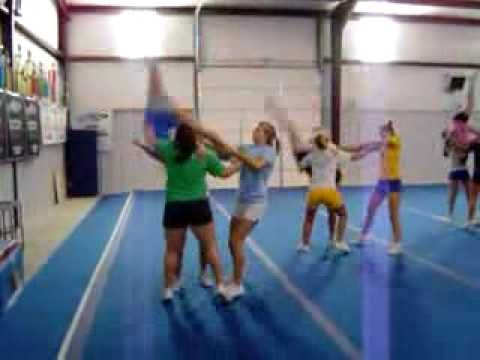 cheerleading stunt - YouTube