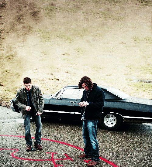 Jensen Ackles and Jared Padalecki | WATCH: Jared Padalecki & Jensen Ackles Attempt The 'Harlem Shake'