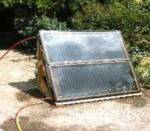 Construction de son propre système de panneaux solaires eau ou eau-eau.</b><br /><br /><i>Mots</strong> clés : énergie, solaire, thermique, chauffage, autoconstruction, construction, trucs, astuces, idées, aide...</i><br /><br /><b>Autres pages à visiter sur le solaire et la construction d'un panneau solaire thermique:<br />- <a href=https://www.econ...