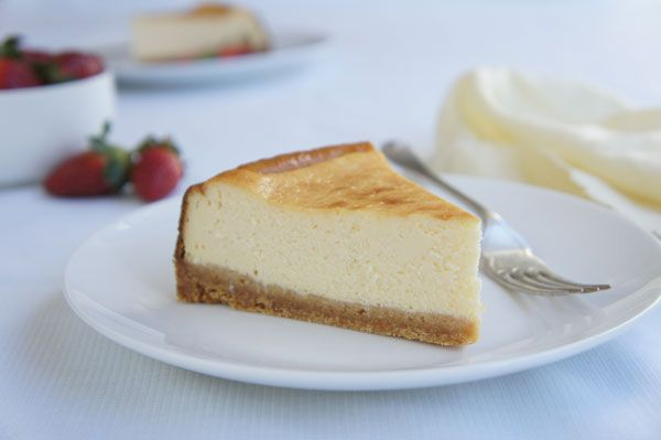 A delicious basic cheesecake.