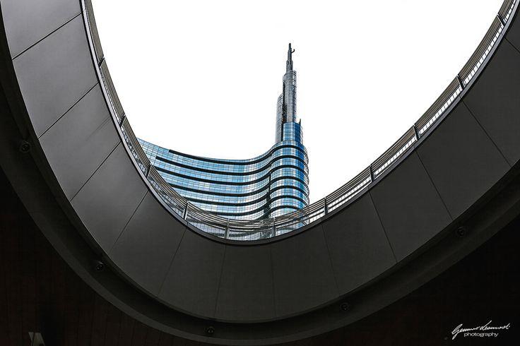 Unicredit tower building in Milan by Gennaro Leonardi on 500px