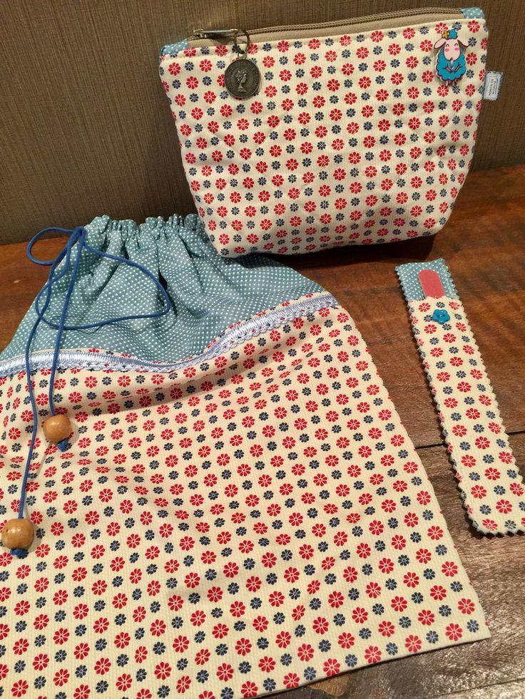 Kit viagem contendo uma necessaire, um saquinho de lingerie ou bijuteria e uma capinha de lixa de unha. Confeccionados com tecido nacional. Peça única. Excelente sugestão para presentear.