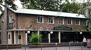 Adorable looking pub near Clissold Park. I wonder if the inside lives up to the charm of the outside.