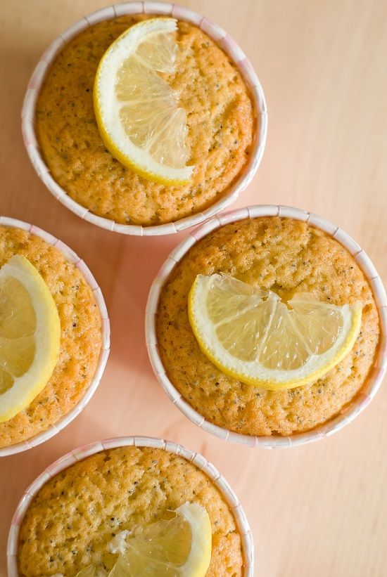 Une recette saine et fruitée, ça vous dit? Un basique chez les gourmands, le cake citron-pavot décliné en petits muffins, tip top pour le goûter! Très rapides à réaliser, ces muffins sont à la fois…