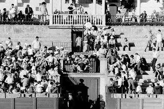 EL RETRATO DE RUESGA BONO: FERIA TAURINA EN SEVILLA, 1972