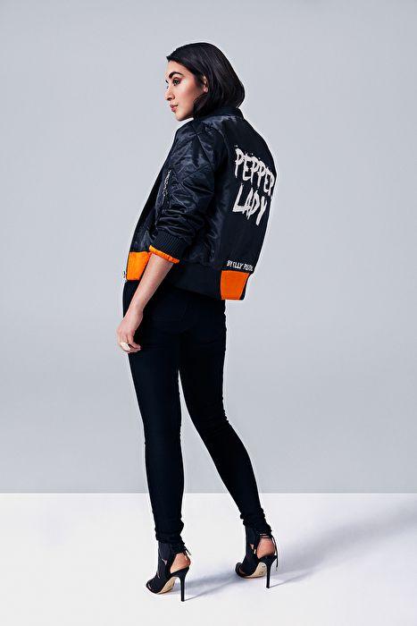Bomber jacket with orange lining,   Bomber jacket with orange lining, Pepper, Bomberjacket with text, badass bomberjacket, bomberjacket ootd, ootd, orange, black, model, Elly pistol, sweden, quilted bomber jacket, black satin, satin, zipper, silver zipper
