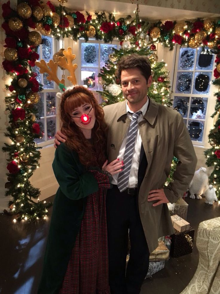 What this? What's this??   SUPERNATURAL CHRISTMAS... -                                         Of Feathers and Clovers