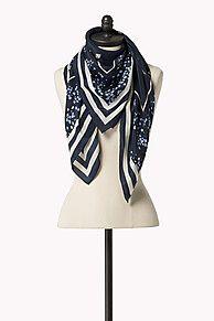 Shoppen Sie Seidenschal und erkunden Sie die Tommy Hilfiger Schals für Damen. Kostenlose Lieferung & Retouren. 8719109401770
