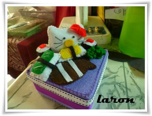 hello kitty n sushi...