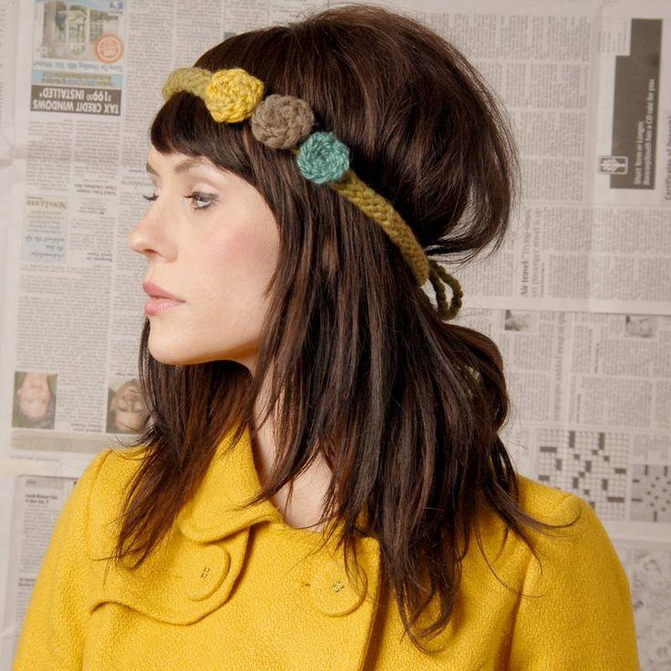 3 flower crochet headband - this looks like Hannah Helbig to me!