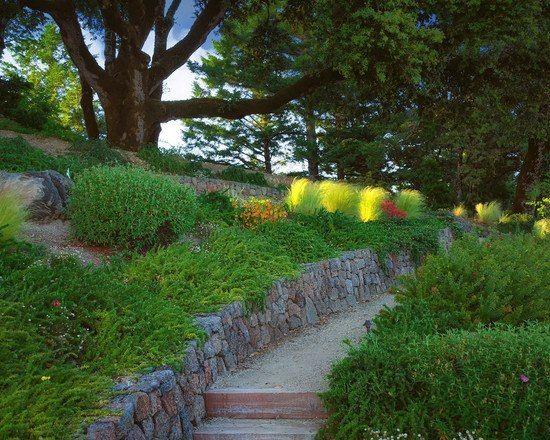 Die besten 25+ Hinterhof Stützmauern Ideen auf Pinterest - gemusegarten am hang anlegen