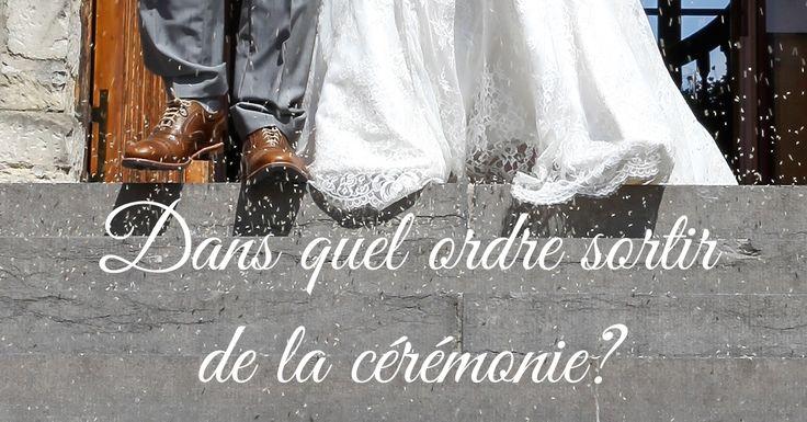 Ordre traditionnel pour l'entrée du cortège du mariage à la cérémonie : les invités, le marié et sa mère et en dernier la mariée et son père