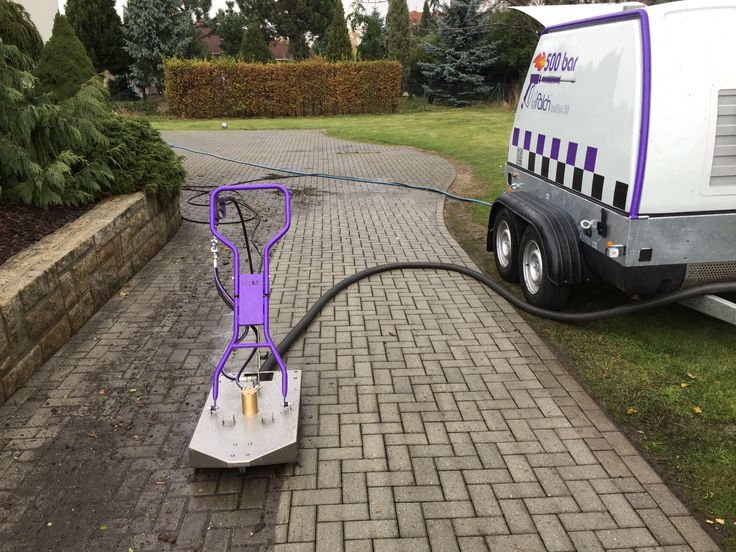 Professional floor and path cleaning, including rubber paint and gum removal.