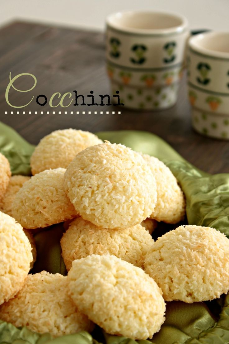 Briciole di Bontà: Cocchini, biscotti al cocco senza burro