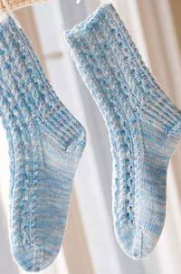 Socks, the year-round patterns you can knit no matter the weather. Get this free sock pattern.