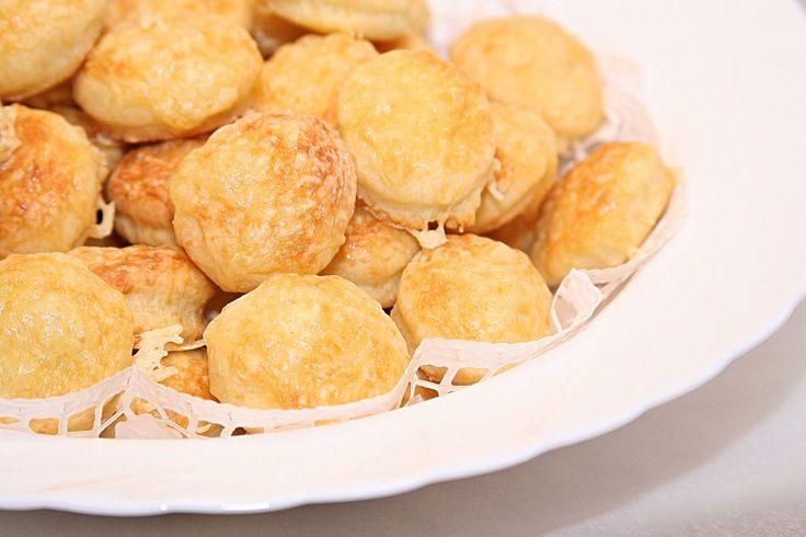 Dupla sajtos túrós pogácsa – GastroGranny receptjei videóval