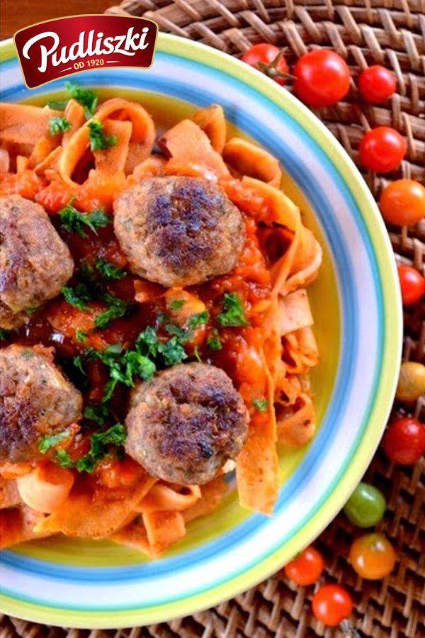 Klopsiki wołowe na pomidorowej pierzynce z naleśników. #wołowina #naleśniki #obiad #pudliszki #przepis