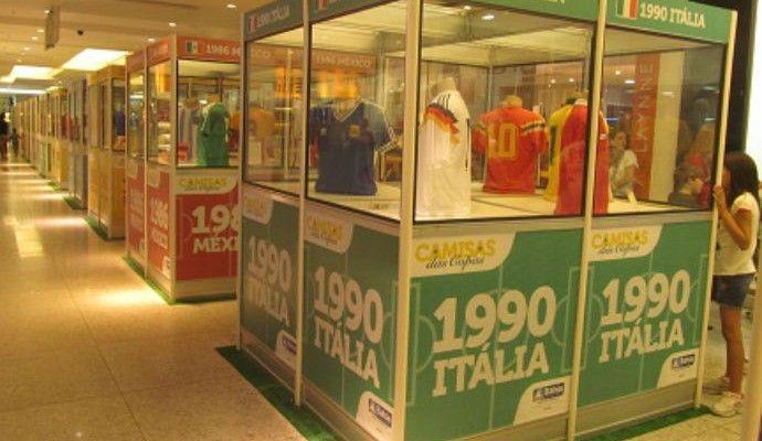 Exposição em Salvador conta história das camisas de seleções nas Copas Mostra é gratuita e pode ser feita até o dia 13 de julho, na Alameda das Grifes, do Shopping Iguatemi, em Salvador. Exposição também conta com conteúdo multimídia