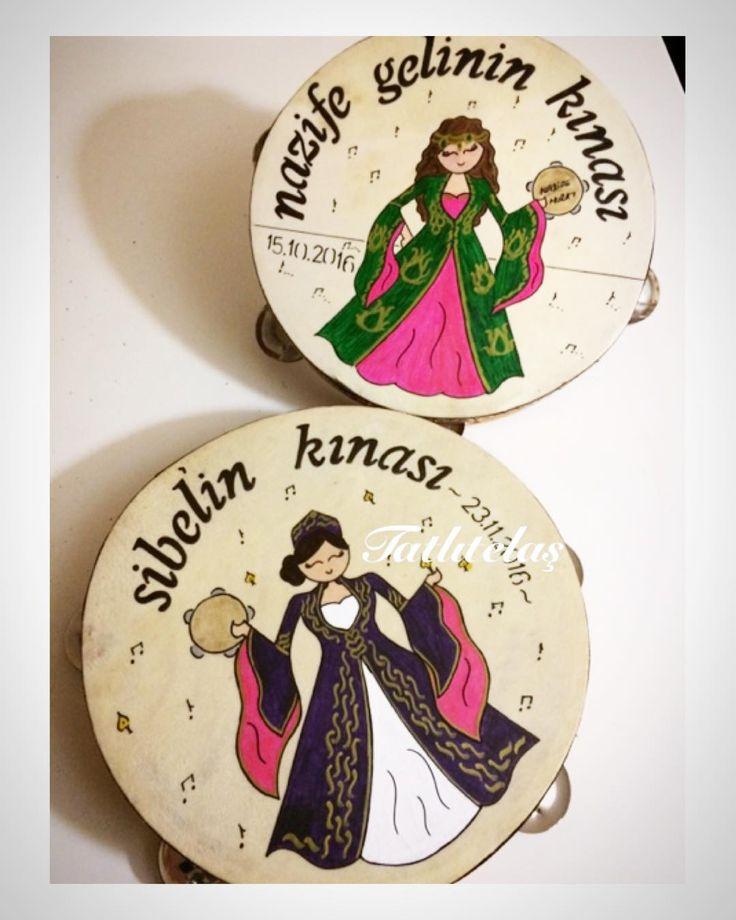 ���� #gelintefi #kınagecesi #tef #kına #kınatefi #düğün #duguntefi #kina #gelinhamami #hamam#hamamtefi #çizim #boyama #elişi #handmade #gelin#henna #hennanight #resimlitef #tefboyama #danteltef #dantel #kişiyeözeltasarım #tatlitelas #butik #tasarim #design #event #organizasyon #organisation http://turkrazzi.com/ipost/1523932135010132270/?code=BUmGDPhFOEu