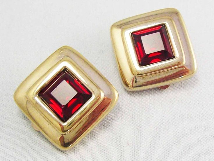 GLAMOROUS! Signed SWAROVSKI CRYSTAL Ruby Red high Shine Gold Earrings~ VINTAGE  #SWAROVSKI #CLIPON