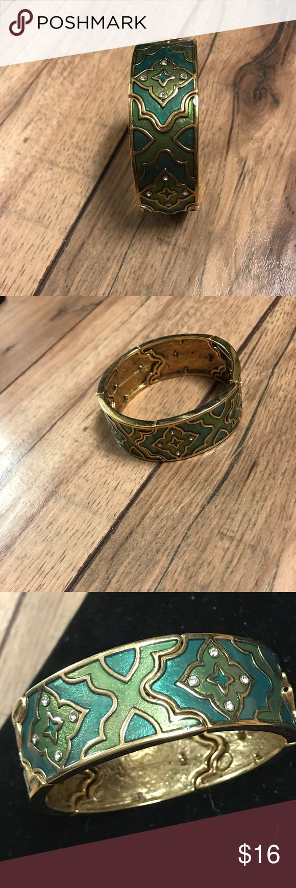 "Premier Designs ""Arabesque"" Stretch Bracelet Premier Designs ""Arabesque"" Stretch Bracelet.  Great condition. Antiqued matte gold with green tones. 7 1/2 inch stretch band. Premier Designs Jewelry Bracelets"