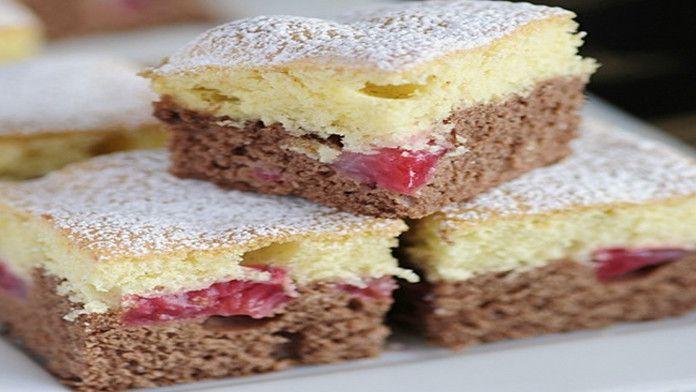Vynikajúci dvojfarebný koláč sa jahodami a šľahačkou - fantastická chuť a ľahká príprava! - Báječná vareška