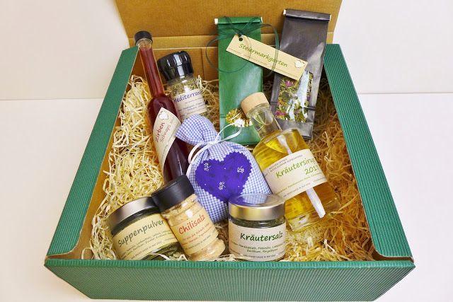 Zu Weihnachten verschenken wir dieses Jahr selbstgemachte Produkte aus dem Steiermarkgarten – mit aromatischen Kräutern aus eigener Sammlun...