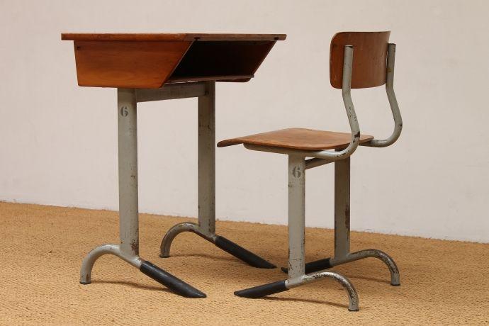 Schoolbankje met stoel 1950