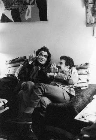 Julio Cortázar disfrazado de vampiro y Gabriel García Márquez // 1974 - París.