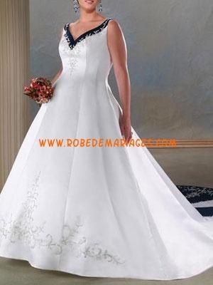Robe de mariée grande taille satin broderie col V