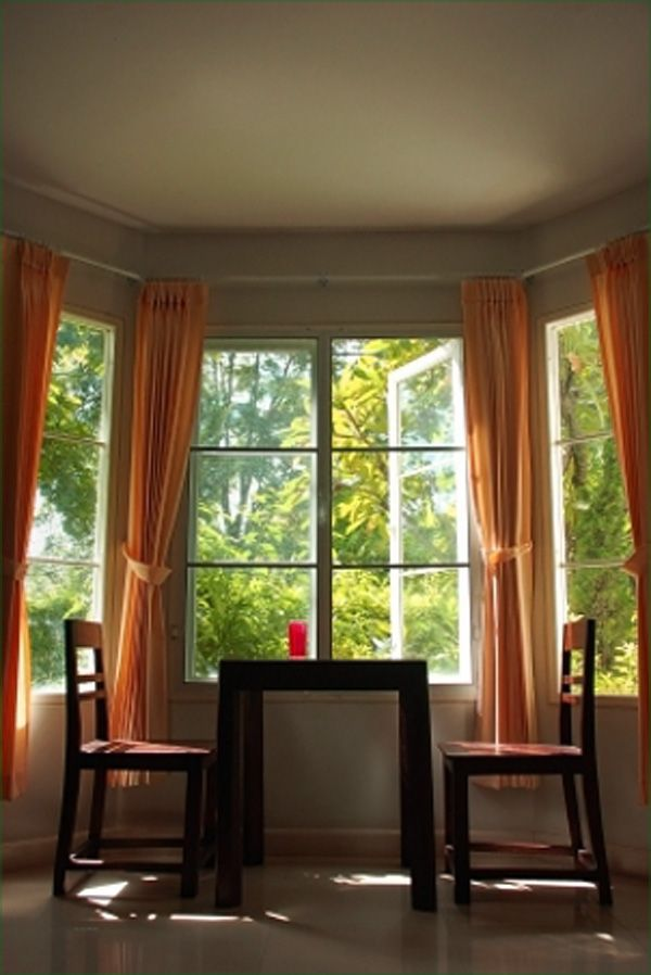 Bay Window Curtain Ideas With Perfect View Outside: Curtain Bay Window Design ~ homedesignlovers.com Decoration Ideas Inspiration